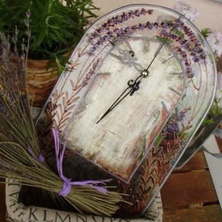 hodiny ve stylu provence